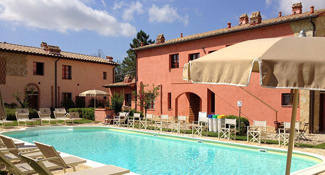Gambassi Tavoli E Sedie.San Gimignano Appartamento Vacanze Toscana La Casetta Del Borgo